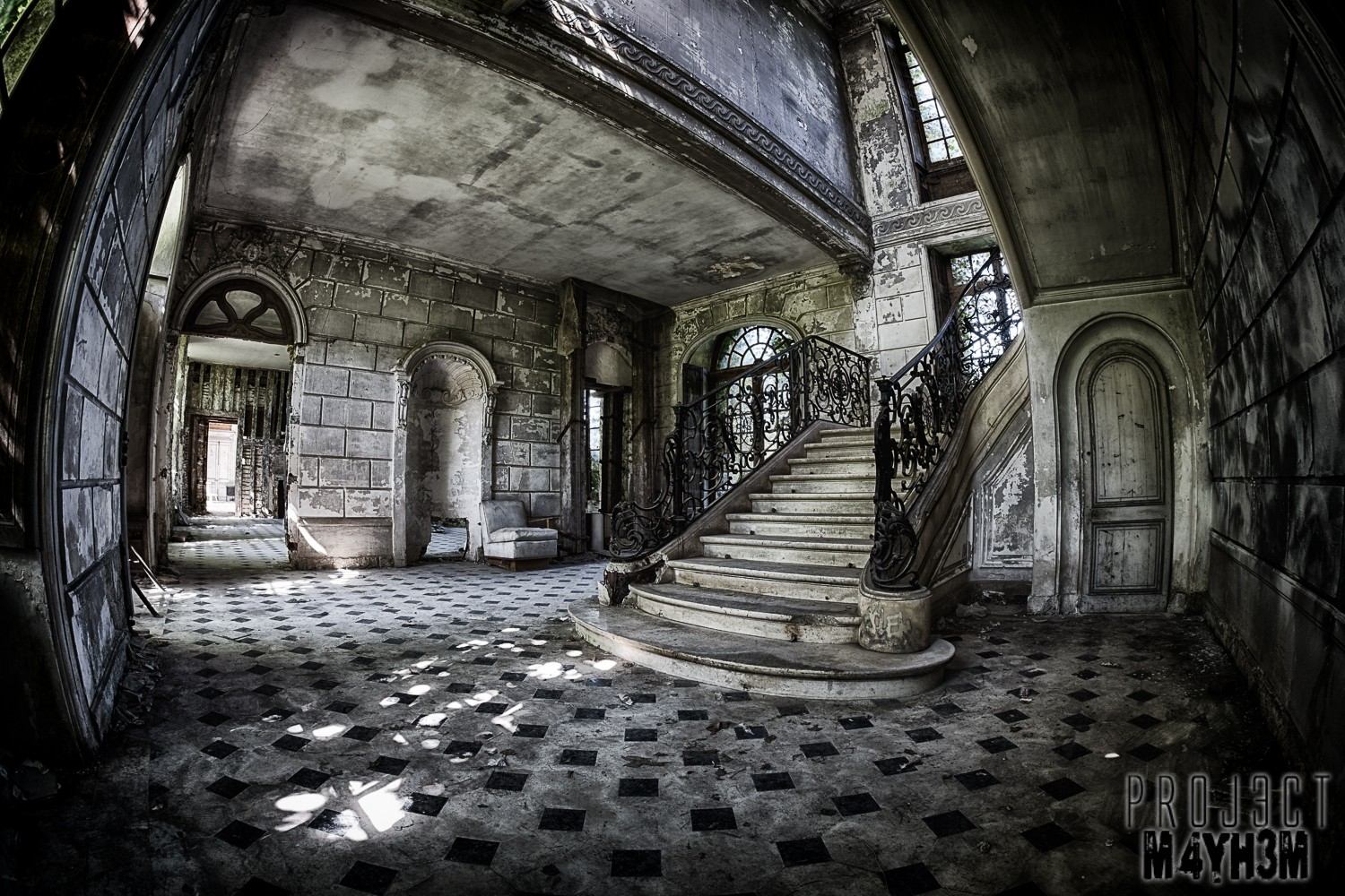 Château de Singes - That Staircase