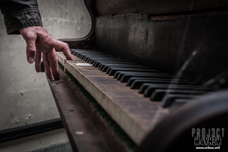 OM Asylum - John Broadwood & Sons Grand Piano