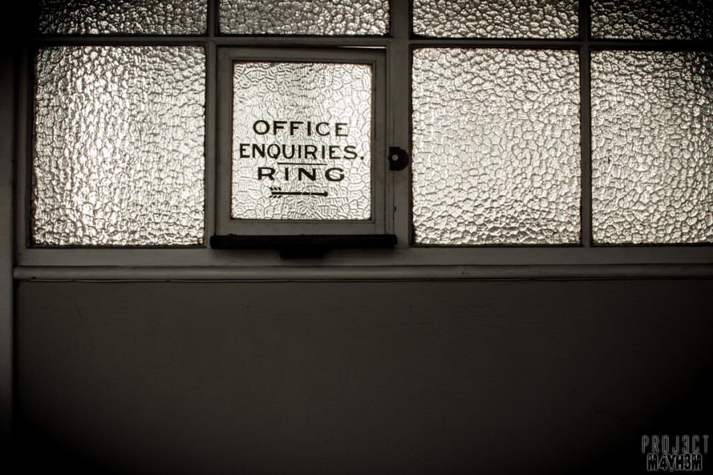 George Barnsley and Sons aka Cornish Works - Office Enquiries Ring -->