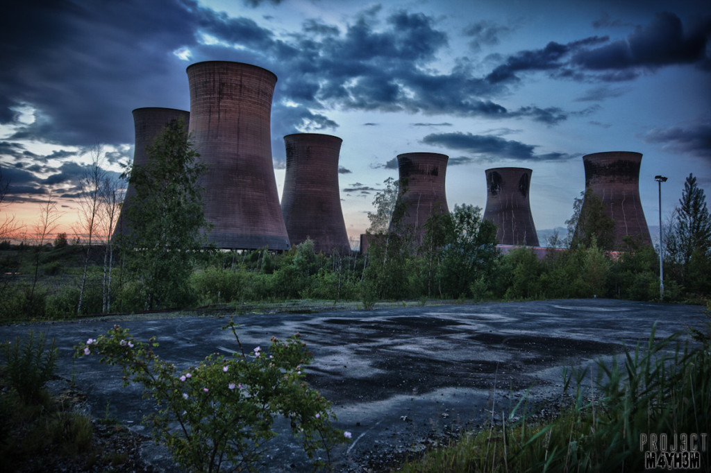 Thorpe Marsh Power Station - Cooling Towers at twilight