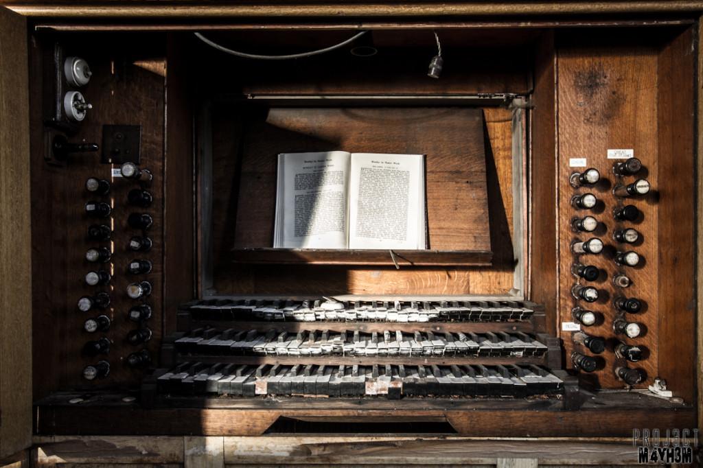 Church on a Hill - The Organ