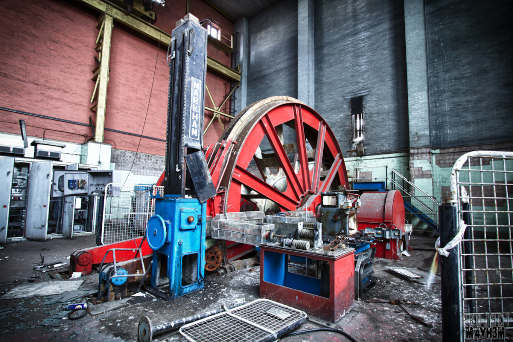 Clipstone Colliery - Winding Wheel