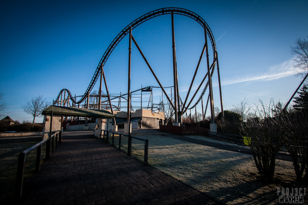 Camelot Theme Park - Knightmare Roller Coaster Ride