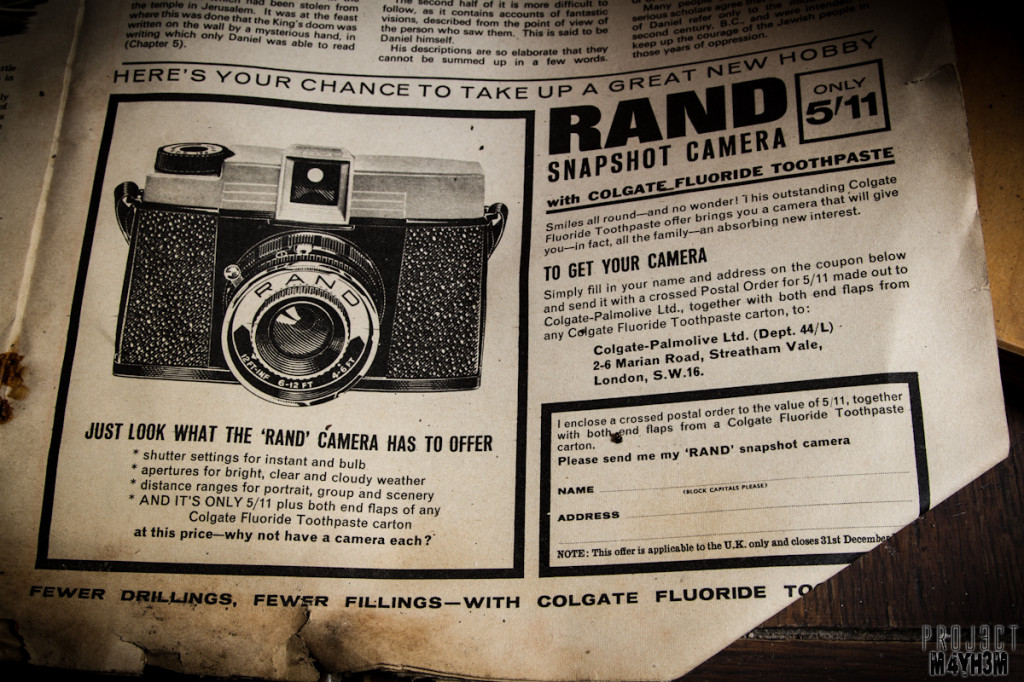 Holdinings Country Pottery - Rand Camera only 5/11 and both ends flaps from a colgate toothpaste pack...
