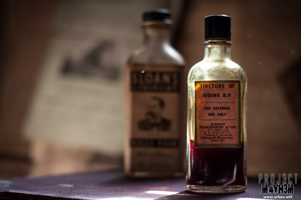 Diary Keepers Cottage - Tincture of Iodine B.P. Kitsons Prescription House