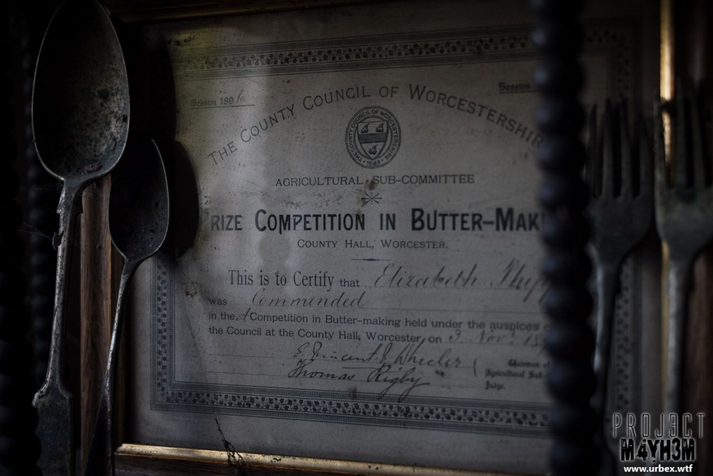 Diary Keepers Cottage - Butter-making champion