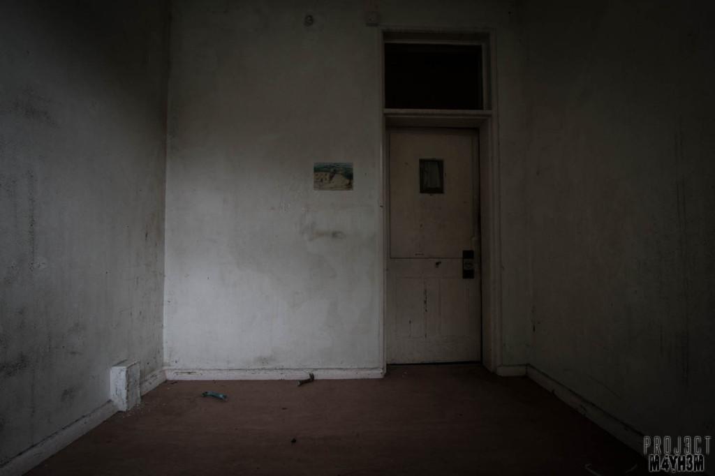 OM Asylum Cell