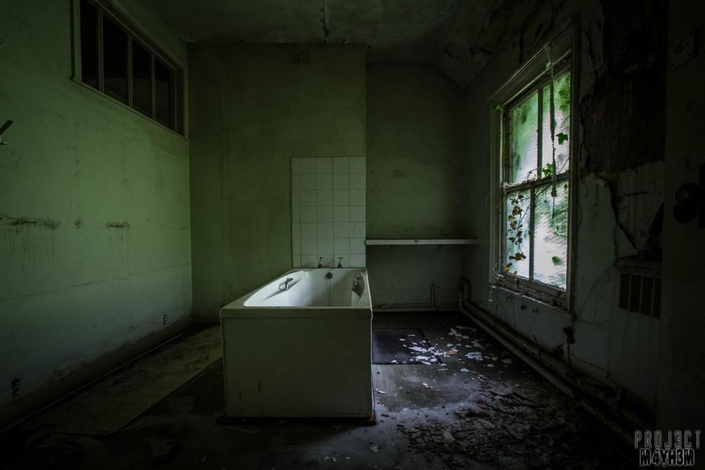 OM Asylum Bathroom