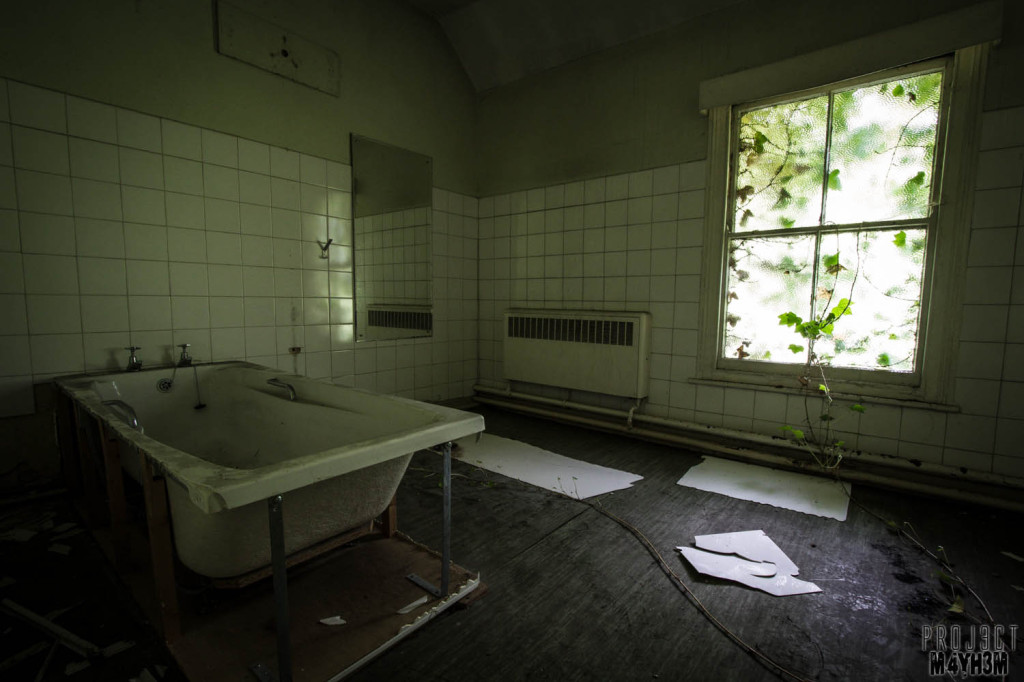 OM Asylum Bathroom