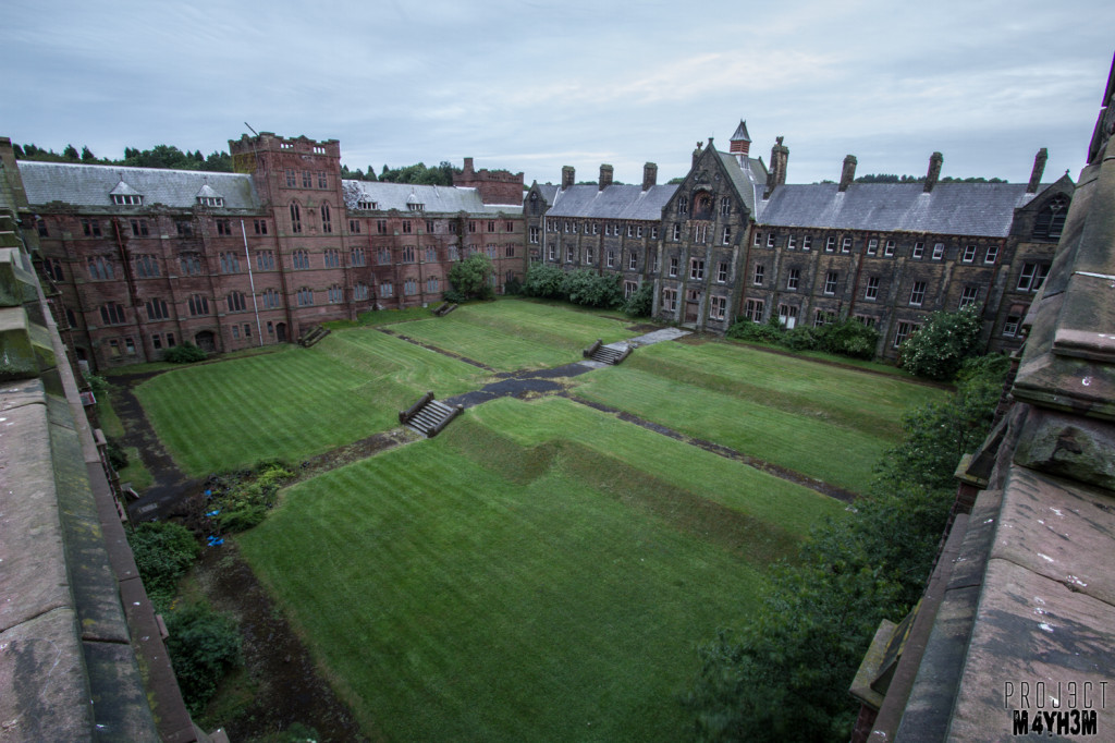 St Josephs Seminary - Courtyard