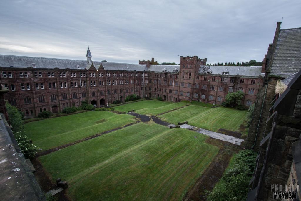 St Joseph's Seminary - Courtyard