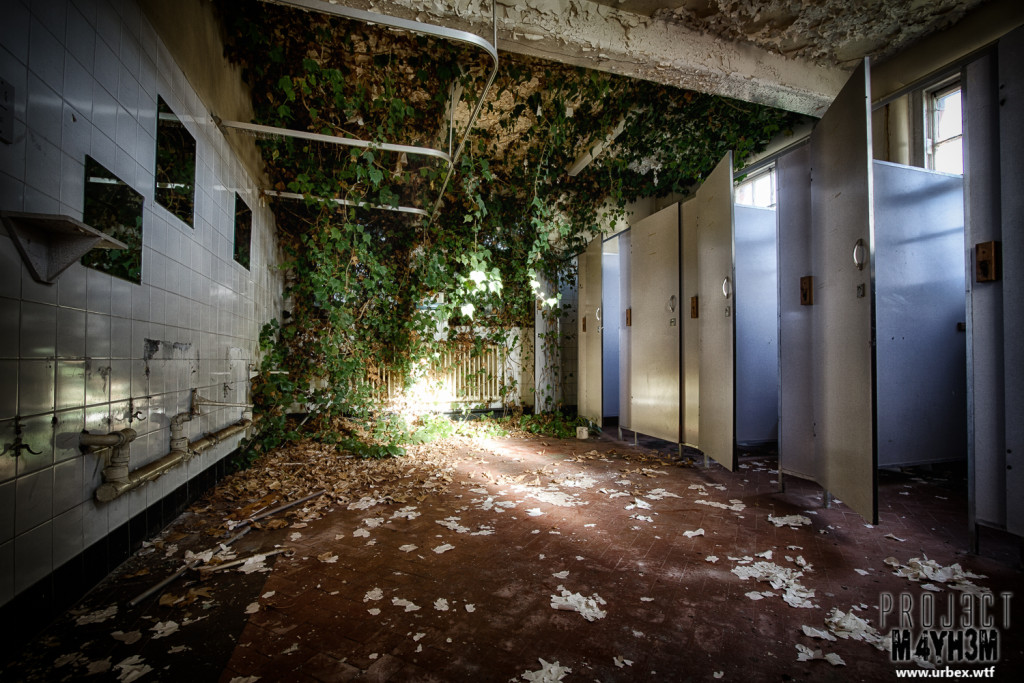 St Georges Asylum aka Northumberland County Pauper Lunatic Asylum  aka Ivy Hospital - The Ivy Bathroom