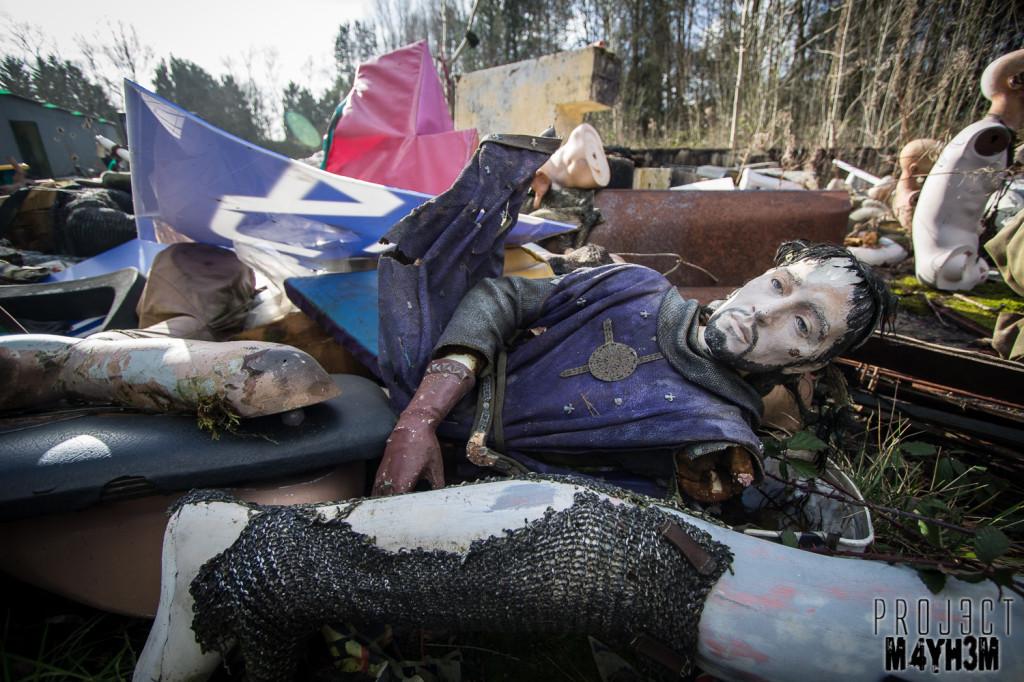 Camelot Theme Park Mannequin Graveyard