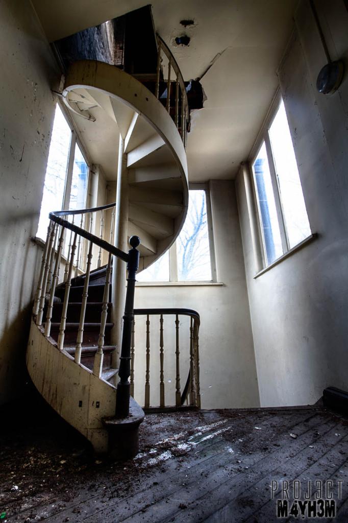 L'école FMP Spiral Staircase