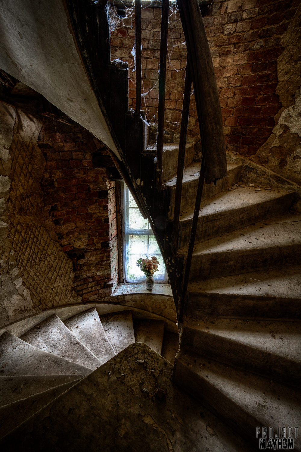 Peartree Manor Spiral Staircase