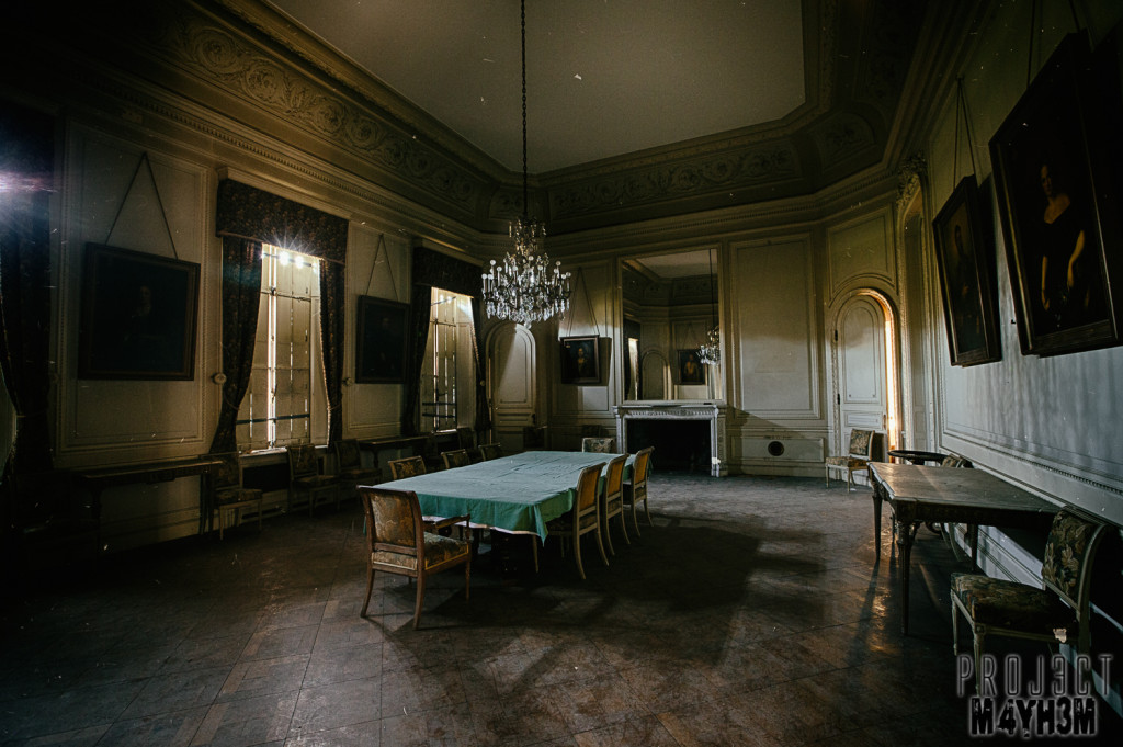 Château de la Forêt - Dining Room