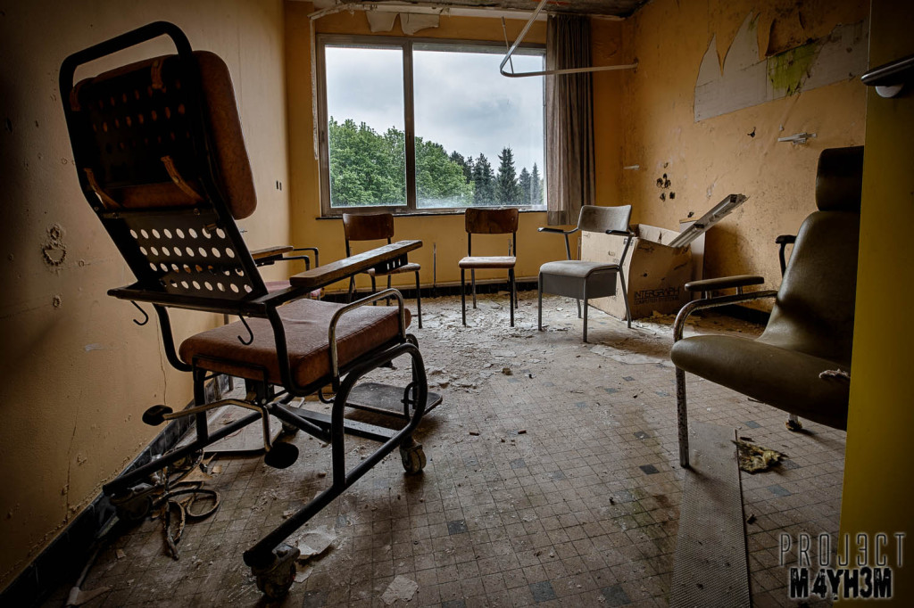 Home Sweet Home Hospital - Meeting of Chairs