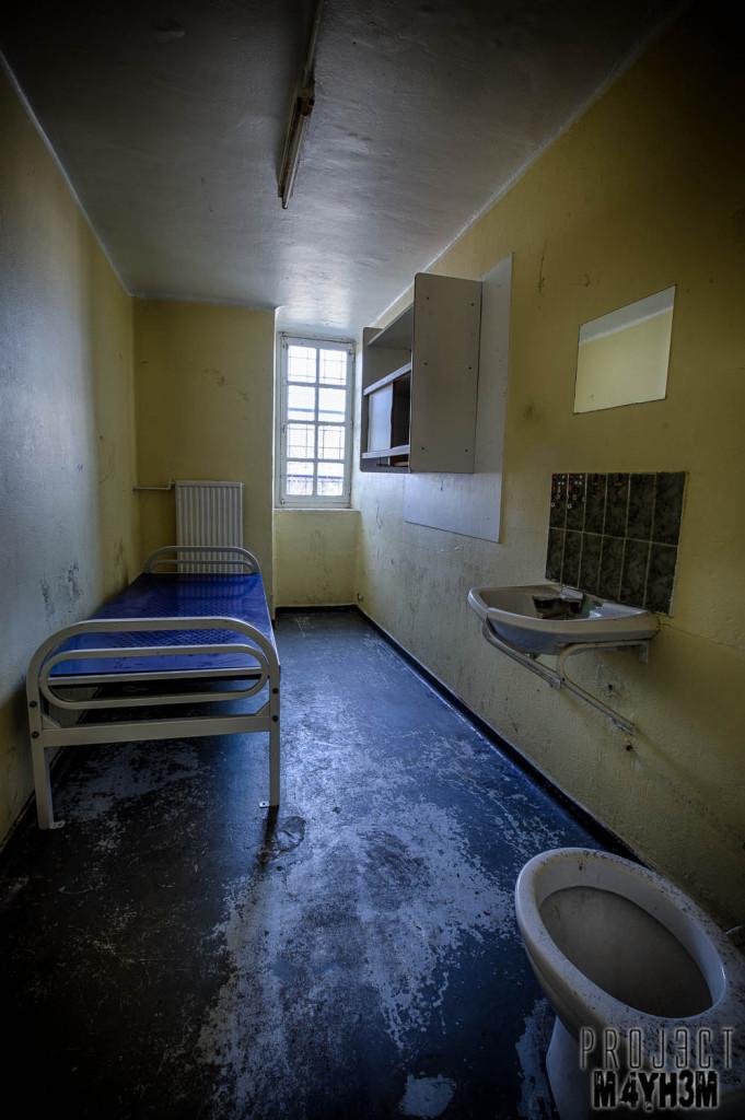 Prison H15 Prison Cell