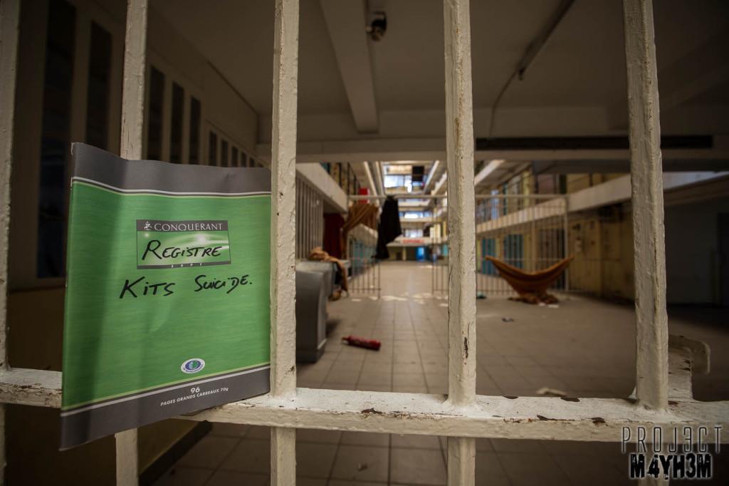 Prison H15 Suicide Book