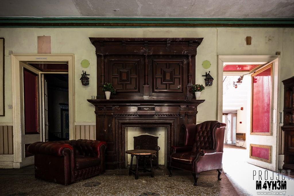 Woolton Hall aka Wacky Tacky Manor aka Katie's House