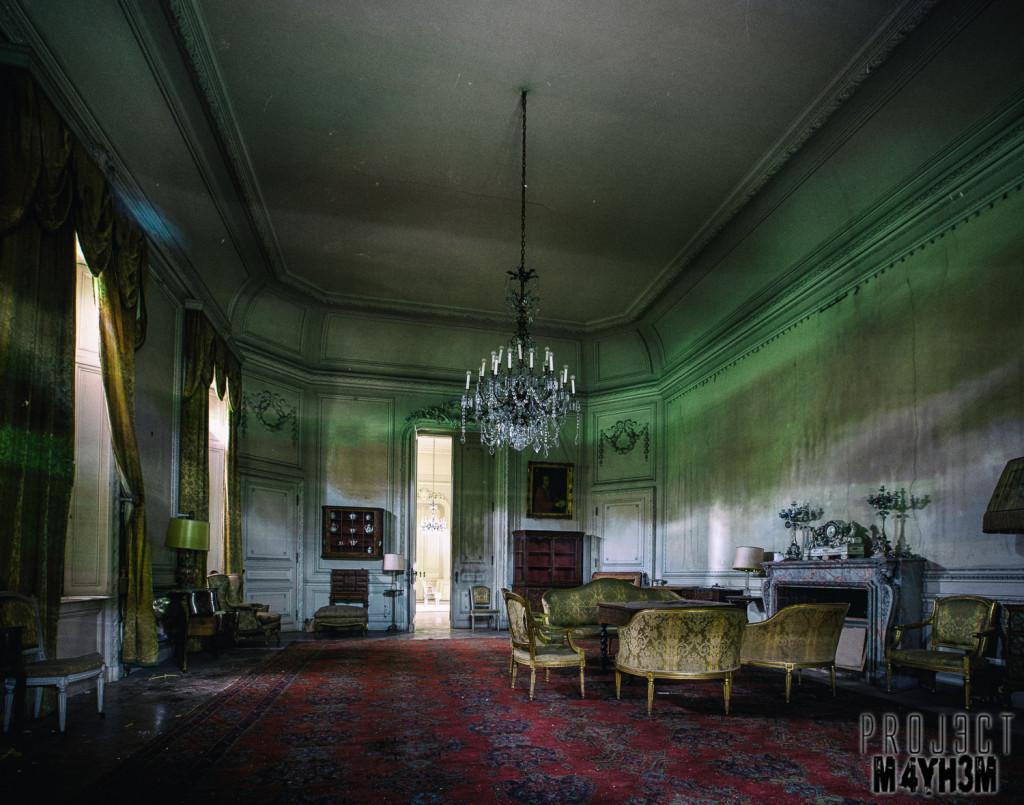 Château de la Forêt - The Tapestry Room