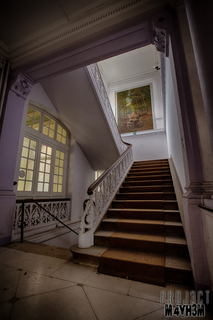 Alla Italia - Painting on the staircase