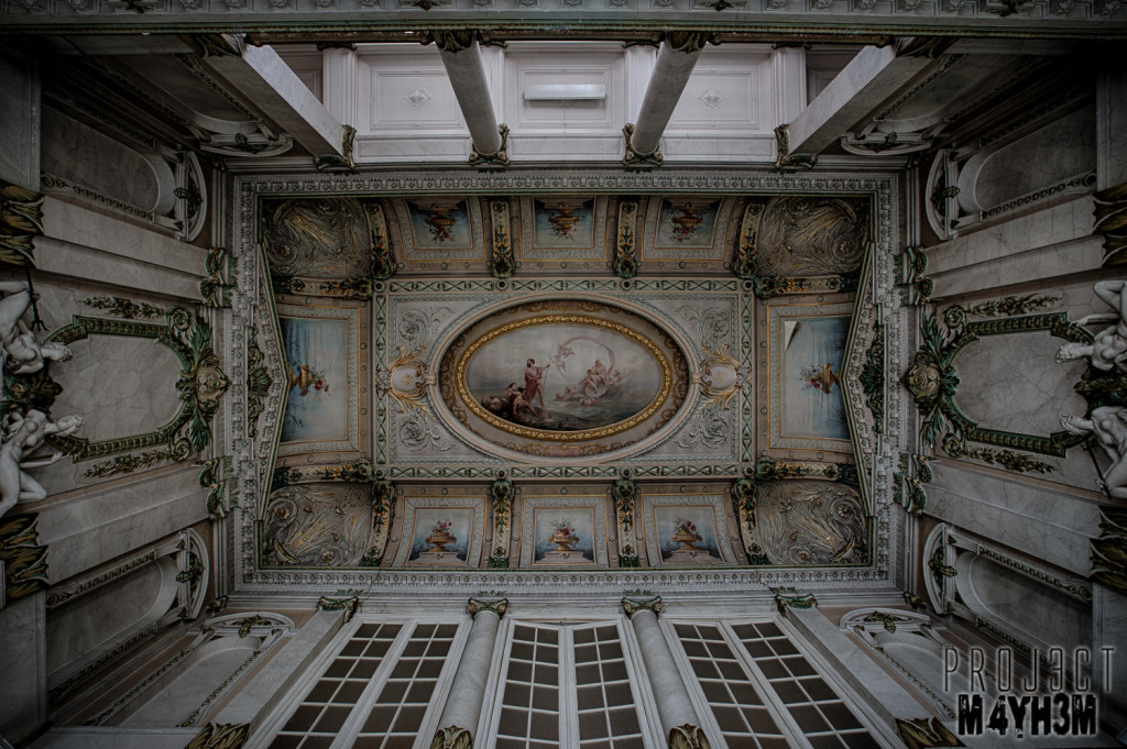 Alla Italia Entrance Hall Ceiling
