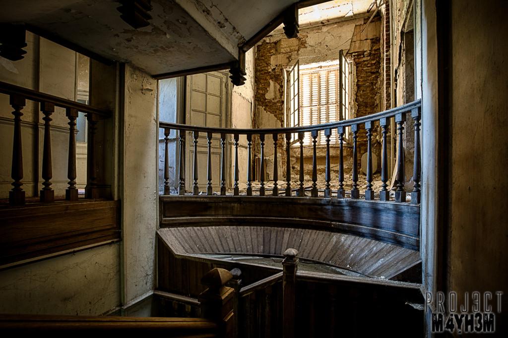 Château des Faisans - Staircase Balcony