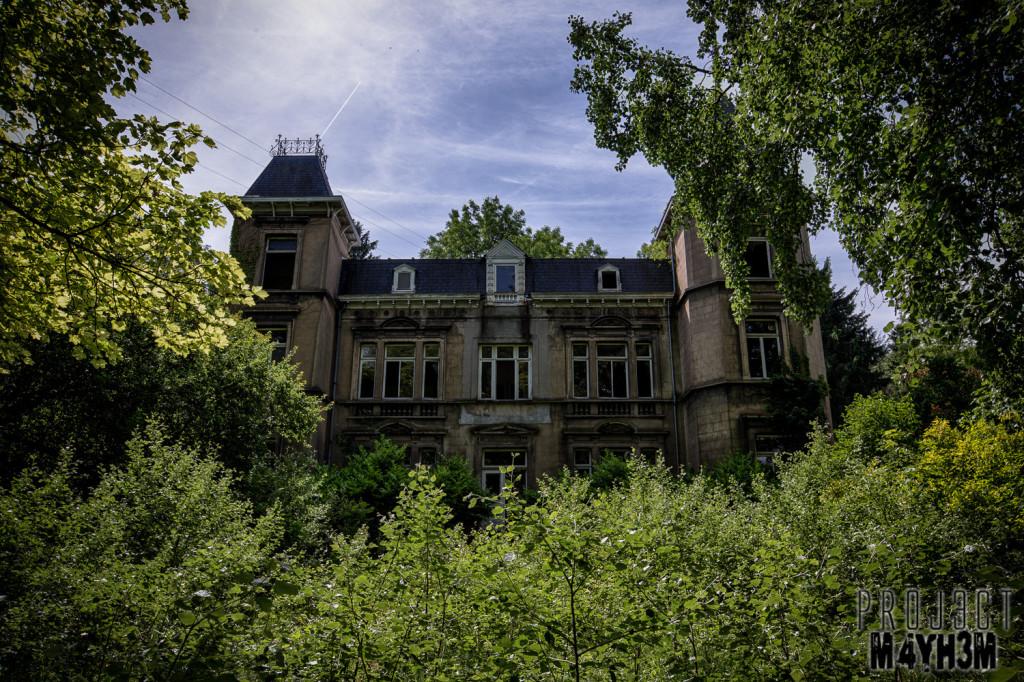 Château D'ah - External