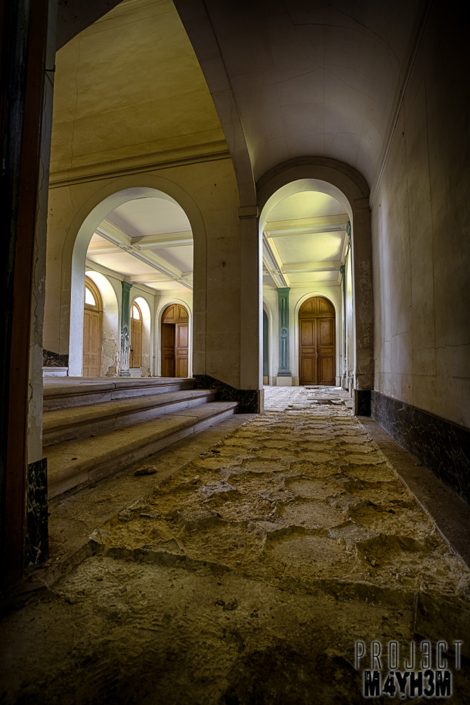 Château du Cavalier - Entrance Hall