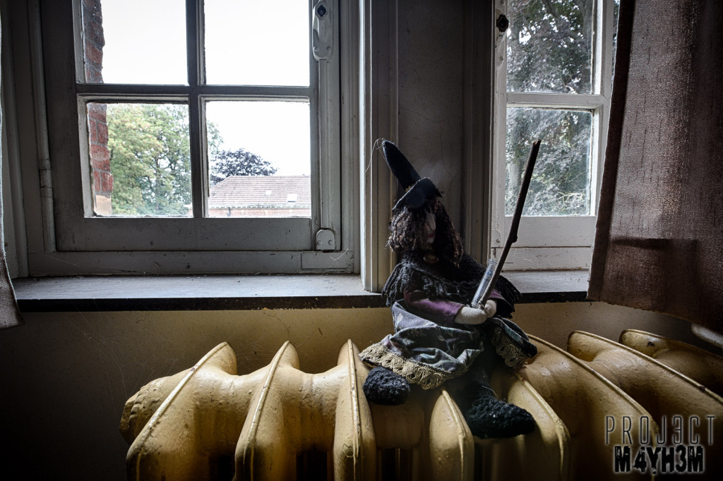 Salve Mater Psychiatric Hospital - Witch