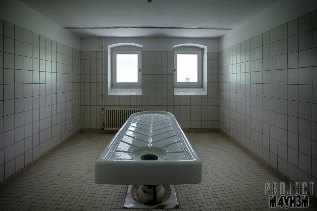 The White Morgue - Porcelain Slab