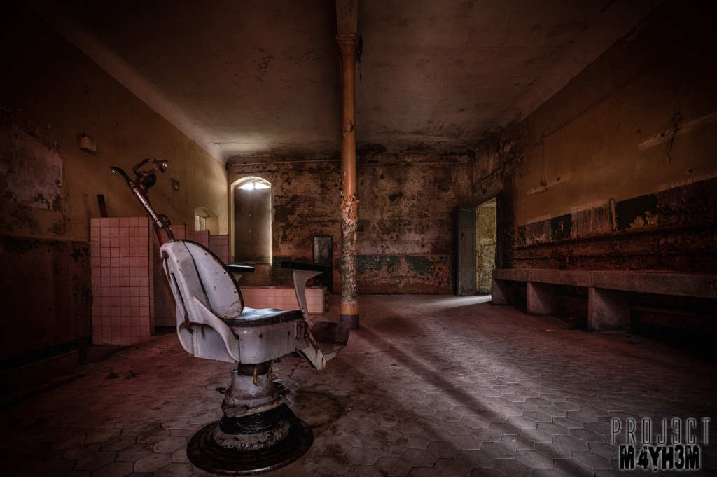 Beelitz-Heilstätten aka Beelitz Hospital Bath House - Dentist Chair