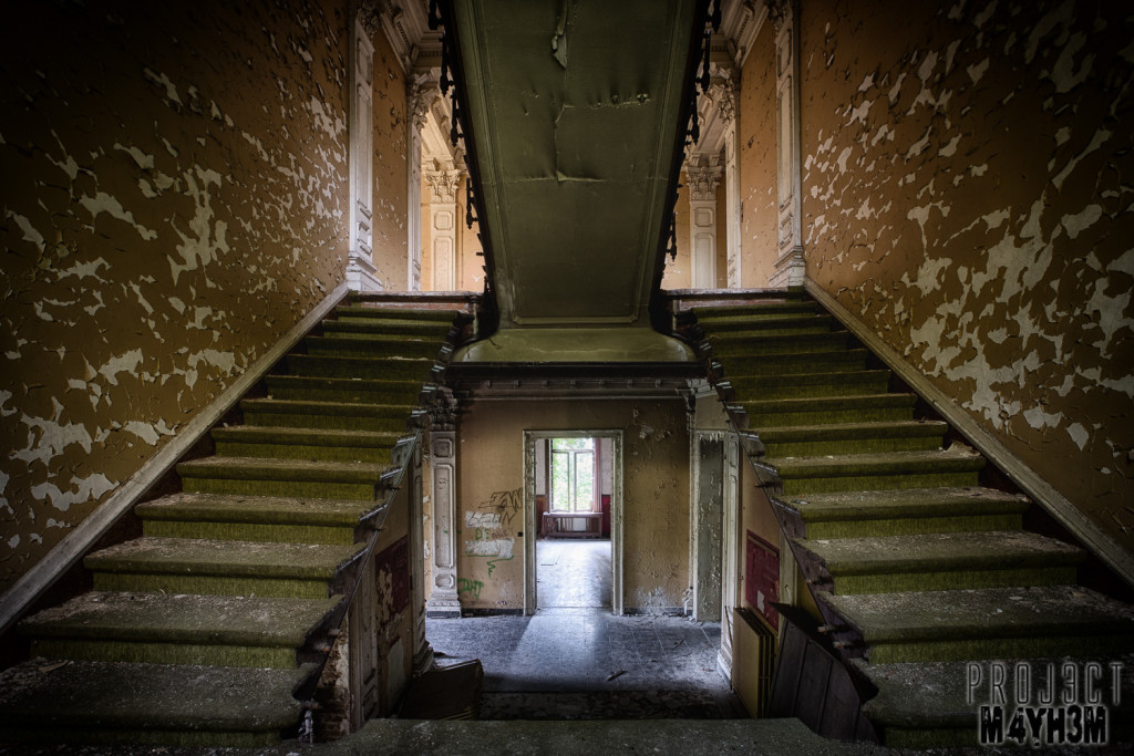 Chateau Rochendaal - The Staircase