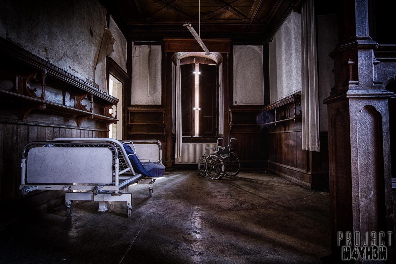 Proj3ctm4yh3m urban exploration urbex krankenhaus von for Urban sofa deutschland