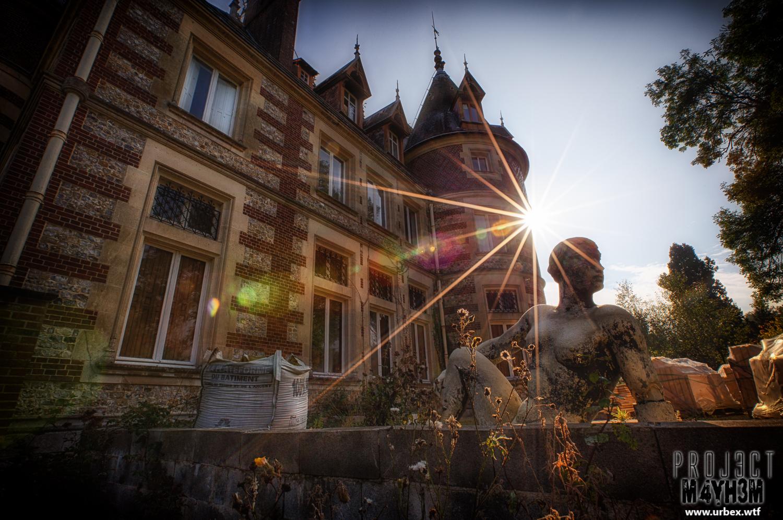 Un Chateau Dans Les Nuages proj3ctm4yh3m urban exploration   urbex: château sous les
