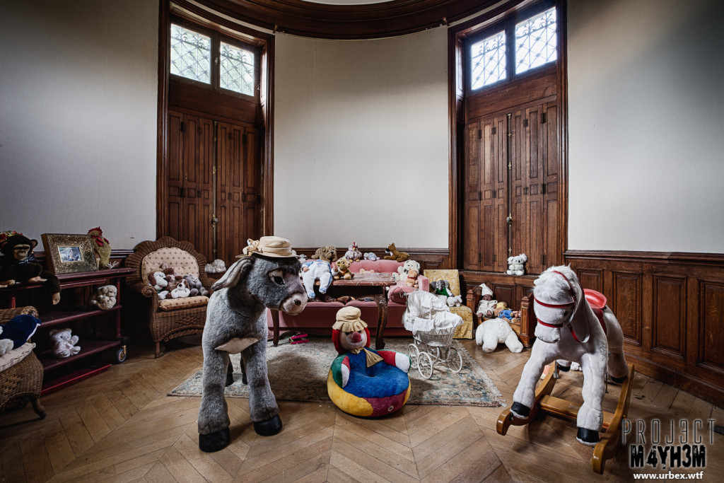 Château Sous Les Nuages - Children's Playroom