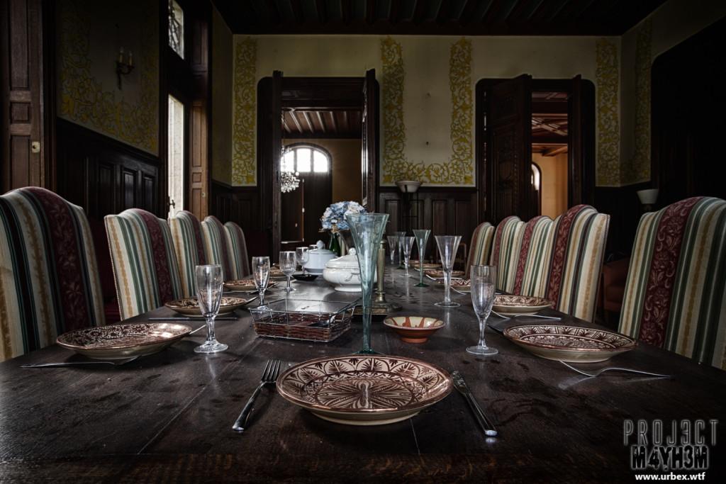 Château Sous Les Nuages - Diningroom