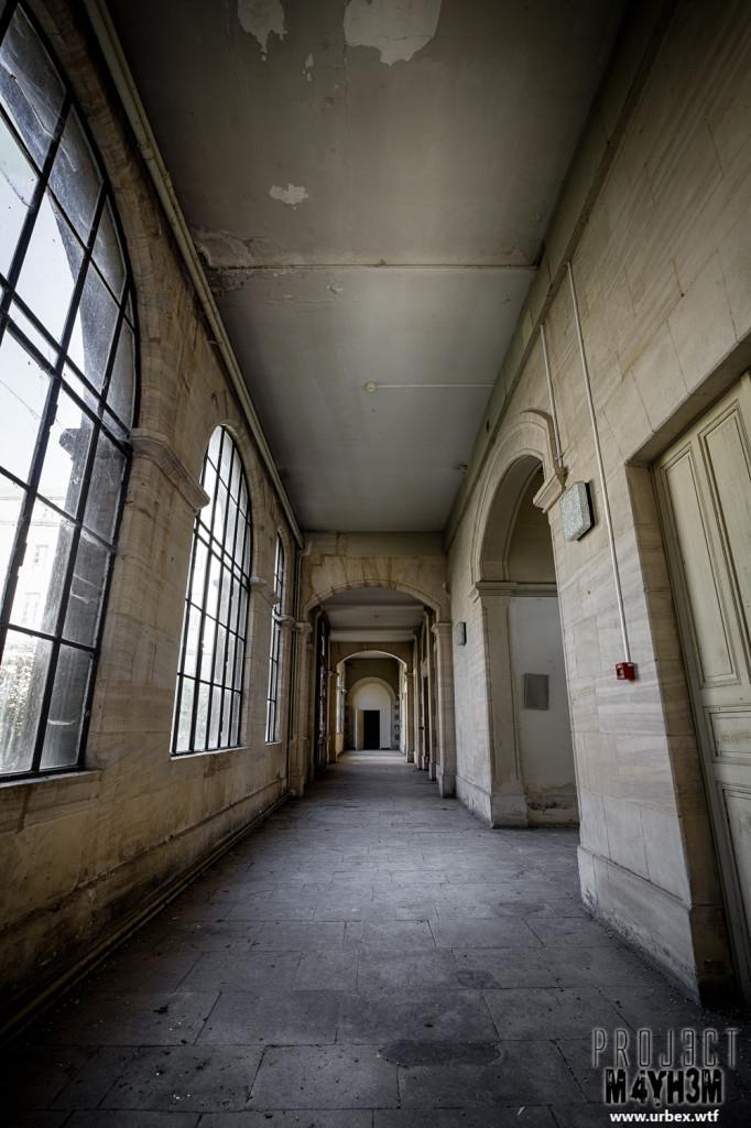 Hospital Plaza - Corridor