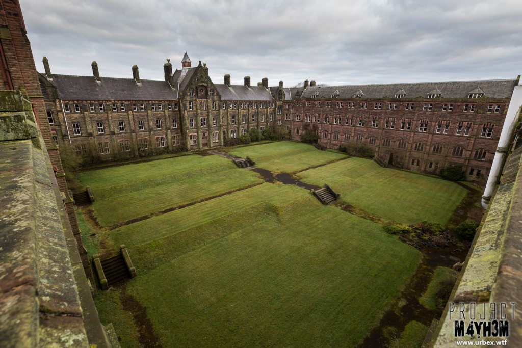 St Josephs Seminary - The Courtyard