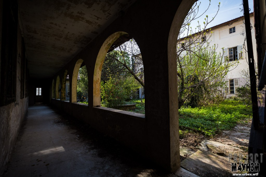 Monastero MG Italy - Inner Courtyard