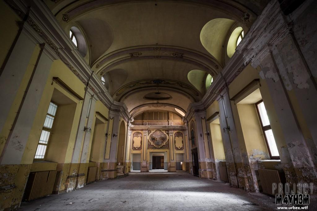 Manicomio di R - Chapel