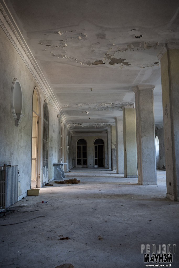 Paragorn Hotel
