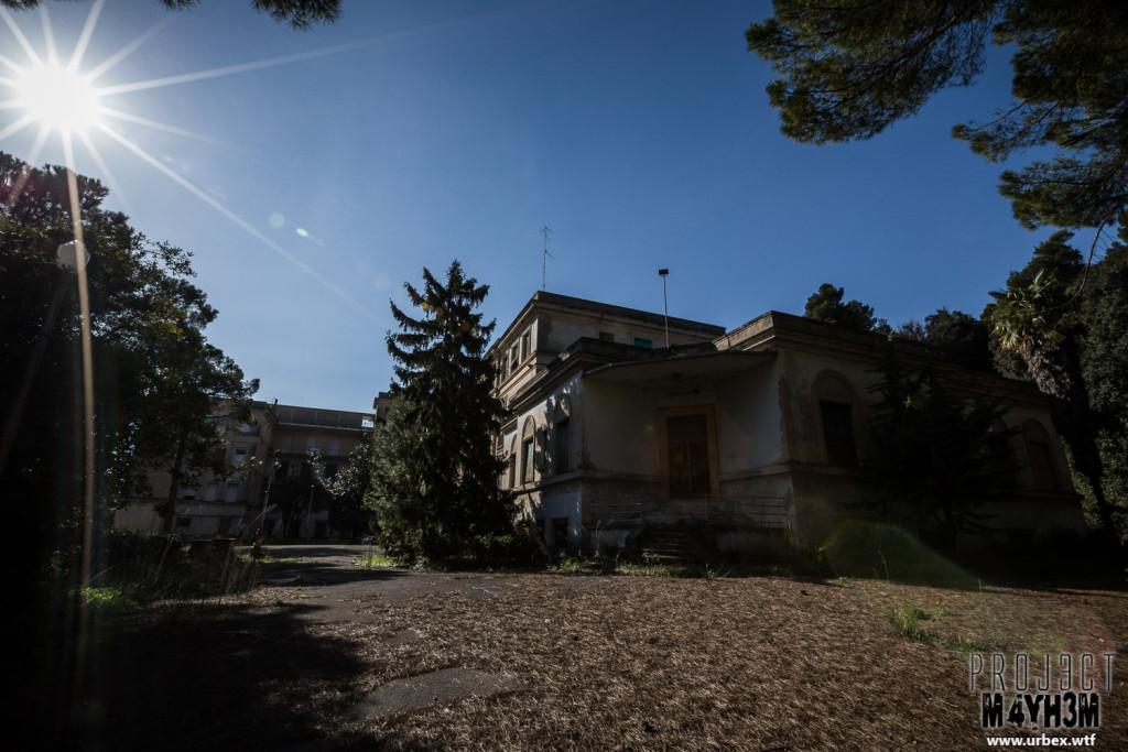 Hospital SC - Exterior