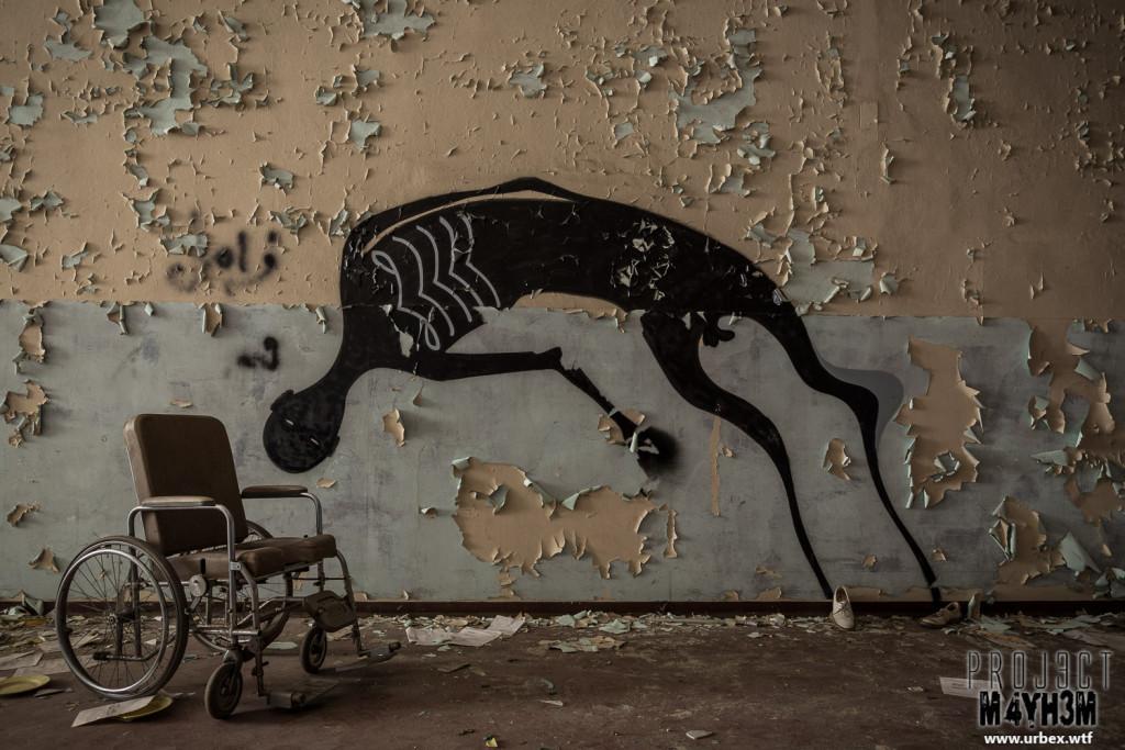 Manicomio di C - Corridor of Wheel Chairs