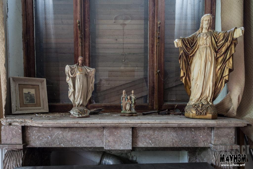 Manoir des portraits aka Château Romantique - Jesus