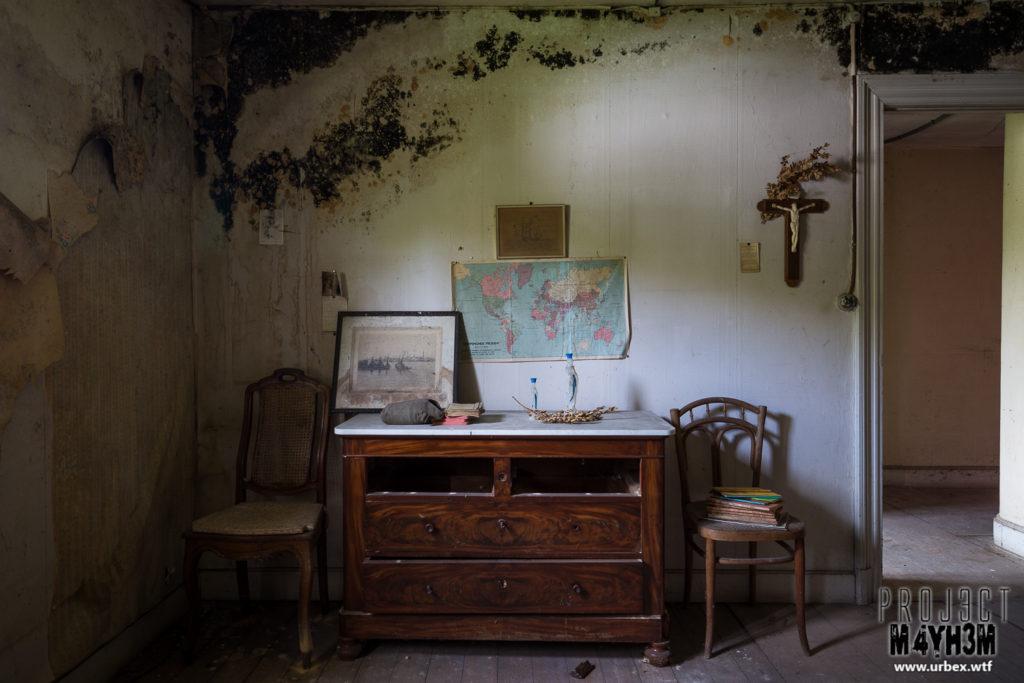 Manoir des portraits aka Château Romantique - Dresser