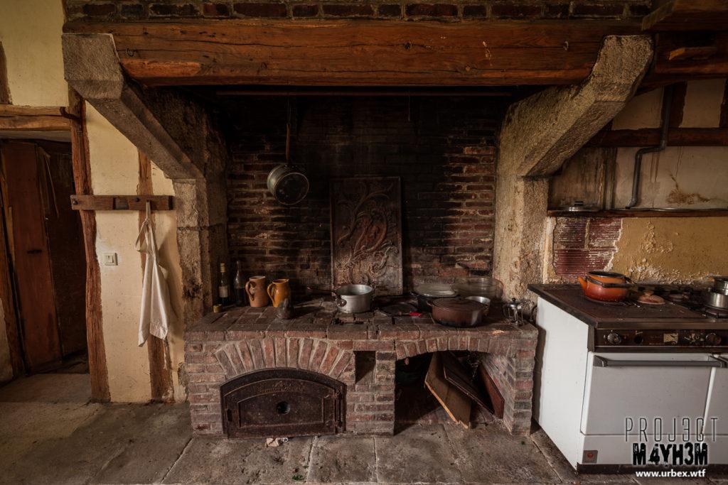 Château Fachos Kitchen