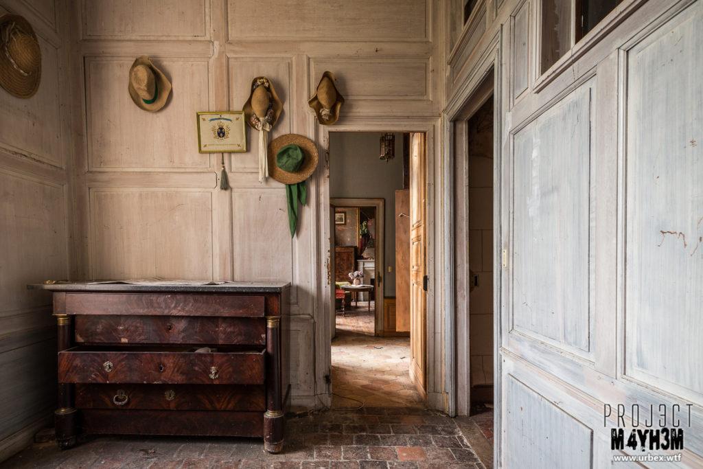 Château Fachos Hallway