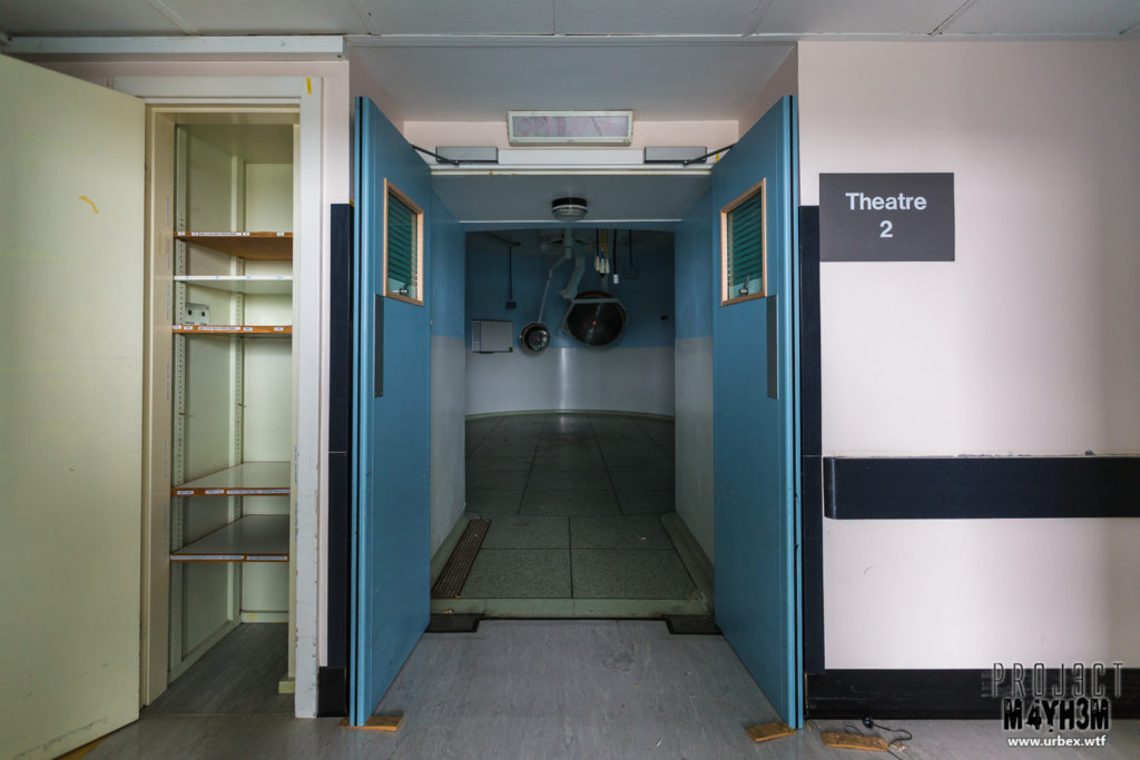 The Queen Elizabeth II Hospital - Operating Theatre